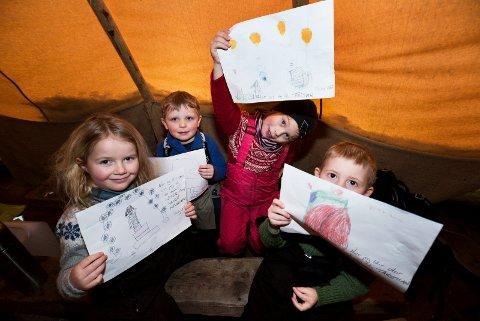 Barn i Brannposten barnehage tegner sine fremtidige yrker. Tegningene skal brukes i forbindelse med «Næringsvekst 2020» i Drammen. F.v: Molly Pil Rauland (6), Noel Antonsen Mørk (4), Sara Josefine Gyberg (5) og Fabian Bergådd (4).