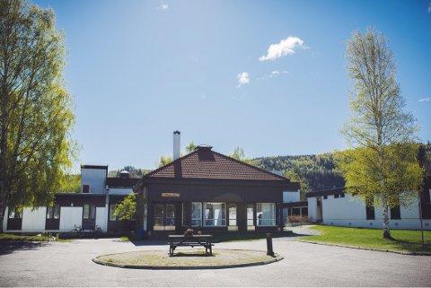 ØVRE EIKER: Buskerud folkehøgskole ligger i Fiskum i Øvre Eiker.