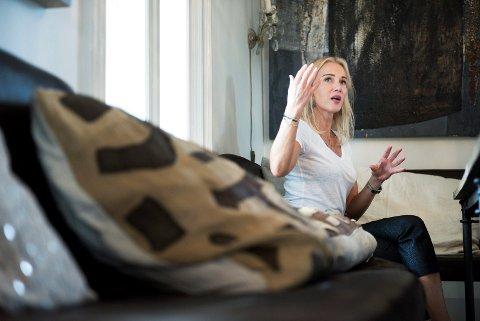 FORFENGELIG: Gjyri Helén Werp ser ut som en nordisk utgave av skuespilleren Uma Thurmann. — Jeg er sykt forfengelig , jeg vil ikke forfalle. Jeg bekjemper det på samme måte som man bekjemper forfallet i hagen. Rynker er ikke skummelt, men det å gi opp er skummelt. Derfor blir jeg veldig inspirert når jeg ser godt voksne folk som holder seg i form, fysisk og mentalt.