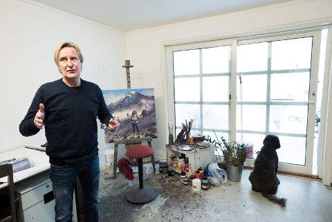 RO: Savnet etter håndverket kom da reklamemannen Morten Halvorsen byttet ut tusj og papir med PC i jobben. Gjennom kunsten får han utfolde seg kreativt med hendene igjen.