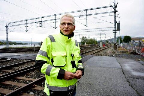 BANESJEF: Bjørn Ståle Varnes er sjef for delen av Drammenbanen som ble rammet av masseutglidningen ved Drammen stasjon i september.