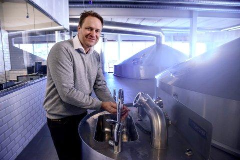 FORNØYD: Det ble et rekordår for Aass bryggeri i 2020. Rekorder til tross: Det har vært tøffe tak kan Christian Aass fortelle.