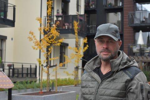 FIKK IKKE SOLGT: Eirik Stegarud slet lenge med å selge eneboligen sin på Galterud. Etter halvannet år gikk huset 800.000 kroner under prisantydning.