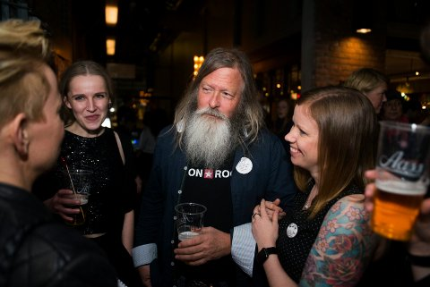 Her er Tore Narverud under feiringen av 20-årsjubileet til Union Rock. I år fyller de 25, men varsler nå at det kan bli det siste året om politikerne står fast på kuttet.