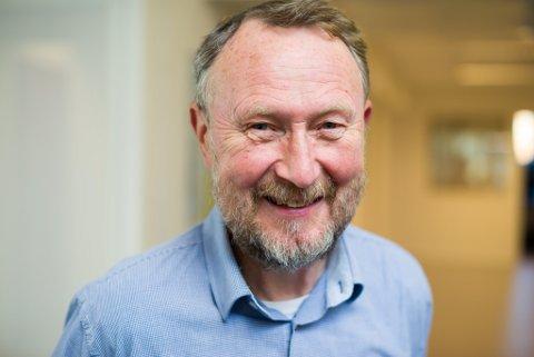 "Øyvind Kleiven og Bondeungdomslaget delte ut pengar til ""verdige trengande"" i forbindelse med at BUL no legg ned arbeidet."
