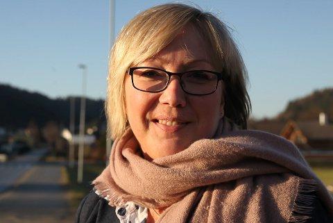 Frida Melvær, Høgre.