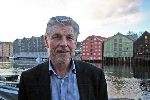 Regionsjef i Sjømat Norge Havbruk Vest, Hans-Inge Algrøy inviterer den ypperste aure-eliten til Svanøy.
