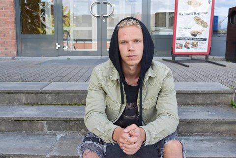 PÅ LÅN: Sebastian Pedersen skal spele haustsesongen i Florø