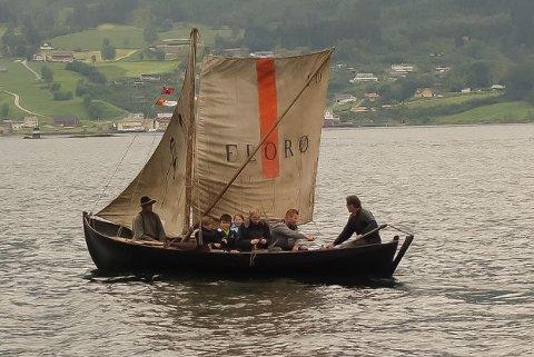 Den gamle losbåten frå Liset høyrer no heime i Davik og helden godt vedlike på Sigdestad.