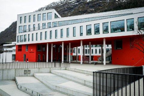 GOD SØRVIS: Forbrukarrådet meiner at innbyggarane i Førde får god informasjon frå kommunen, men det er eit stykke opp til 1. plass.