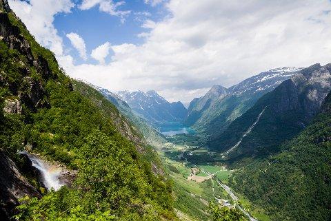 DRAUMEN: Nesten 70 prosent av innbyggarane i Sogn og Fjordane vil ha fylket sitt tilbake. Over 50 prosent trur ikkje at det er mogleg.
