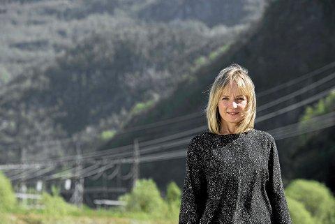 SAMANSLÅINGSDEBATT: – Samla sett vil nettkundane til Sunnfjord Energi spara om lag 75 millionar kroner årleg om nettselskapet slår seg saman med BKK, skriv konsernsjef Jannicke Hilland i BKK.