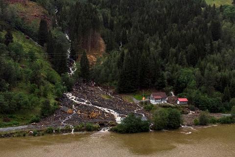 30. juli først styrtregn til eit stort skred i Movika, ikkje ulikt situasjonen etter orkanen Dagmar i 2011. Å hindre at dette skjer igjen, ville krevje ekstreme tiltak.