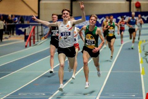 GULLVINNAR: Marius Vedvik vann NM-gull på 3000 meter under innandørs-NM søndag.