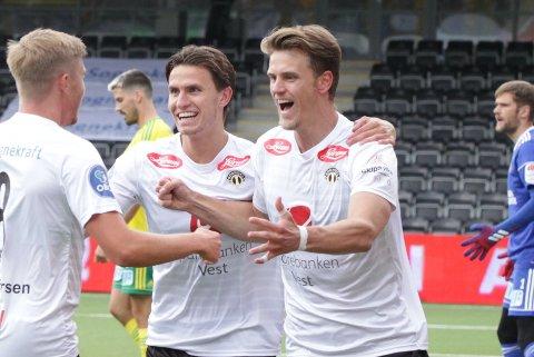 BLIR LENGER: Andreas Hoven (22) og Kristoffer Hoven (24) forlengjer kontraktane sine med Sogndal til ut 2023-sesongen.