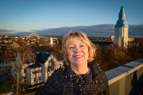 Gretha Thuen (H) føler at hun og politikerkollegene ikke har helt kontroll på hva som kjøpes inn av kommunale boliger. Hun er bekymret over at kjøpsrammen nå plutselig må økes med 20 millioner kroner.
