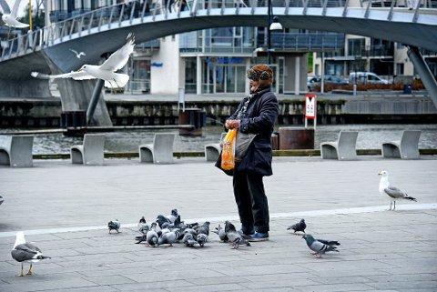 JUBILANT: Fredrikstads mest kjente gatemusiker, Renald Joseph Antoinette, fyller 85 år. (ARKIVBILDE: Geir A. Carlsson)