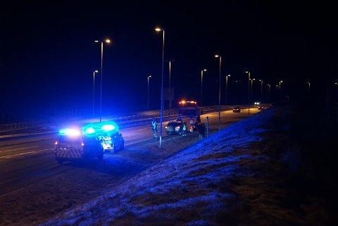 Ingen ble skadet i ulykkene på E6 tirsdag kveld, men politiet advarer mot svært glatte veier.