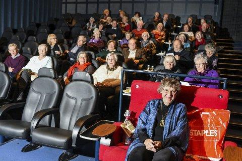 Eva Lange Hafstad syntes det var hyggelig å ta med venner, kjente og familie på kino.