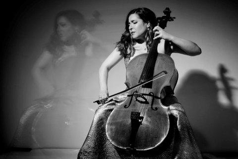 Solist 2018: Alisa Weilerstein kommer med sin cello til Mozartfestivalen i april.