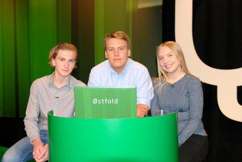 10. klassingene Halvor Linder Henriksen (t.v), Thomas Elton Gundersen og Silje Kristin Bunes fra Gressvik ungdomsskole skal lørdag kveld representere Østfold i den nasjonale semifinalen i Klassequizen på NRK 1.