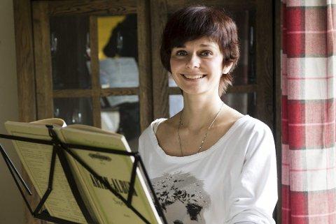 12.juli: Darya Katyba kommer til Domkirken med Colin Mark Andrews.