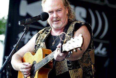 Tilbake. Fredrikstad-vennenTom Donovan er snart tilbake i byen, nå som musikalsk trekkplaster på St. Patricks Day.