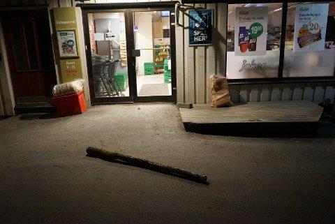 FORSØKTE INNBRUDD: Mannen som ble pågrepet av politiet, forsøkte også å gjøre et innbrudd i Joker-butikken i Lislebyveien.