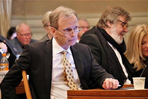 – MAKSIMAL ÅPENHET: Truls Velgaard mener kommunen må legge til rette for maksimal åpenhet dersom man skal komme seg ut av det han kaller en fortsatt omdømmekrise.