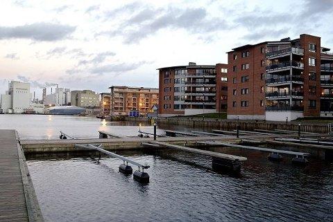 Moss, her sett fra de såkalte Sundbryggene, kan stikke av med tittelen Norges mest attraktive by i 2019.