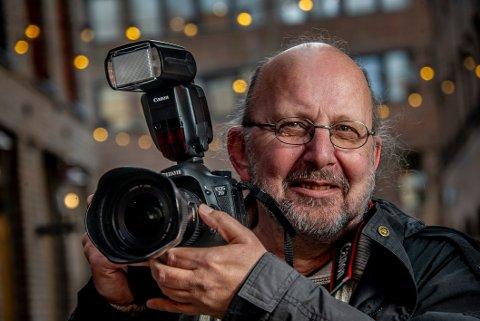 Pressefotograf i 44 år: Erik Wiggo Larsen har tatt utallige bilder av byen, menneskene og naturen rundt. Nå har pressefotografen blitt pensjonist.