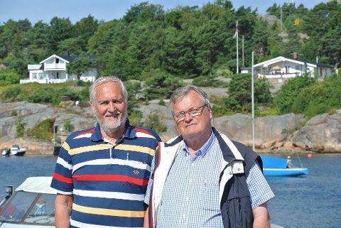 STUSSER OVER NY PRAKSIS: Fred Gjerløw og Rolf A. Hauge er henholdsvis nestleder og leder i Fredrikstad hytteforening. Foreningen vil beholde retten til å utvide hytta for å bygge våtrom. (Arkivfoto: Øivind Lågbu)