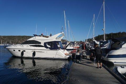 Prima Event har fått midler fra Fredrikstad kommune til gjennomføringen av sail-in konserter på Hankø under koronakrisen. Nærmere 50 båter med gjester hadde lagt til havn for å få med seg livemusikken da den første konserten gikk av stabelen i april.