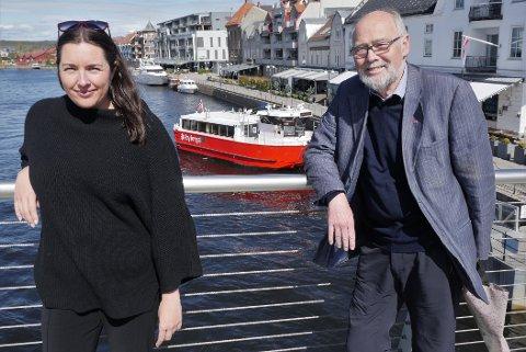 VIL ØKE KLIMAINNSATSEN: Siri Martinsen og Svein Roald Hansen håper Stortinget vil gi en større sum til forsknings- og utviklingsprogrammet CLIMIT og at Borg CO2, klimasamarbeidet i Nedre Glomma, får et millionbeløp. (Foto: Øivind Lågbu)