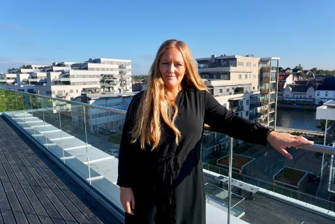 FÅTT NY EIER: Caroline Borgeraas er avdelingsleder i Rom for Flere i Fredrikstad. Nå har selskapet blitt kjøpt opp av konkurrenten Input interior.