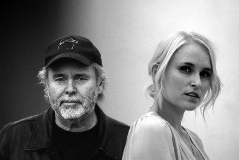 """Henning Kvitnes er blitt gammel nok til å synge """"Støvets år"""", som han først skrev til Jonas Fjeld. Den er allerede å høre med Eva Weel Skram som duettpartner. Foto: Handout NTB kultur"""