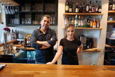 Yahya Yigiter og Qenderesa Krasniqi er glade for at Mezzo & Grill gjør det bra på Tripadvisors anmeldelser. Men det viktigste for dem er fornøyde kunder i restauranten.