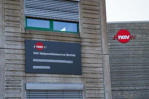 Hjelpemiddelsentralen i Øst-Viken ligger i Gamle Tindlundvei 3 på Greåker. Brukere og ansatte er enige om at det er en god lokasjon. Leieavtalen løper til 2024.