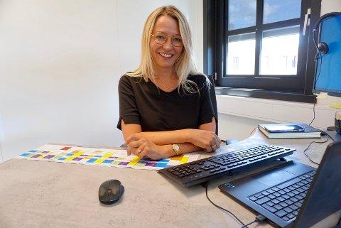 NY JOBB: Tine Spillberg (45) fra Vestby har fått jobben som ny rektor ved privatistskolen Sonans. Hun vil fokusere mer på skolens åpenhet og tilgjengelighet for studentene.