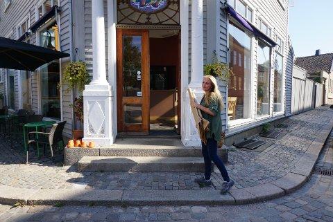 Fredag åpnet Galleriet Vinbar utstillingsdelen. Nå skal bildene til Marianne Høili Pettersen fylle lokalene i en hel måned.