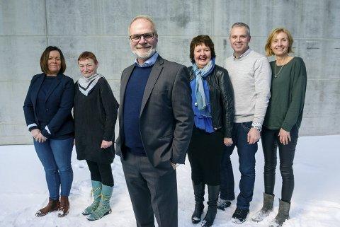 Ledelse: Adm. dir Hans Petter Kvaal sammen med sine campussjefer Elin Tverfjeld, Ellen Appelbom, Randi Danielsen, Per Gunnar Johnsen og Lena Moe.