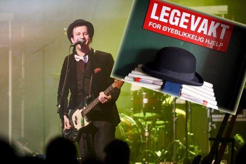 Hogne Rundberg i Violet Road med bowlerhatten på konserten i Narvik. Så havnet han og gutta på fest, og hatten forsvant. Nå har den dukket opp igjen. - Hatten er spesiell og har fulgt meg lenge. Jeg har den på meg på alle konserter, så jeg er veldig glad for at den ble funnet, sier Hogne.