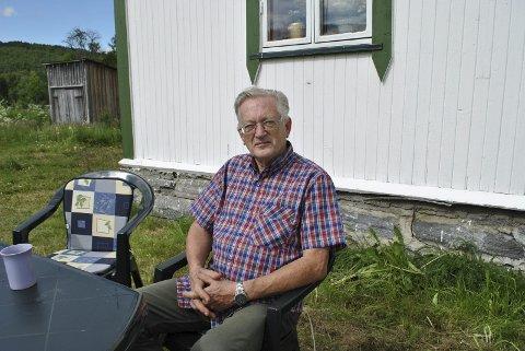 JAKTET DAB-SIGNALER: Artur Eriksen fra Oslo har hytte i Ballangen. To ganger har han kjørt til hytta - uten å bli imponert over dekningsforholene til DAB-radioen.