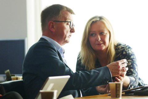 Vil ha Mona: Roger Bergersen og de øvrige medlemmene i nominasjonskomiteen ønsker Mona Nilsen fra Narvik som kandidat til fylkesordførervervet. Foto: Terje Næsje