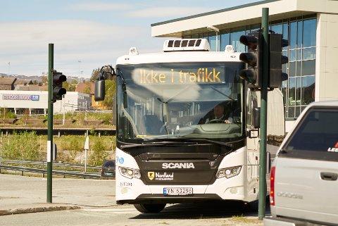 En av de nye bussene til Nordland fylkeskommune.