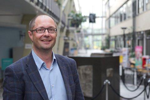 FORNØYD: Dekan Bjørn Solvang dekan ved Norges arktiske universitet, campus Narvik er fornøyd med at de får videreført 40 nye studieplasser i 2021.  Arkivfoto: Fritz Hansen