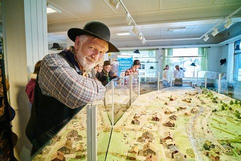 Per Henrik Mørk fra utstillingen av den forrige modellen hans, av Rombaksbotn.