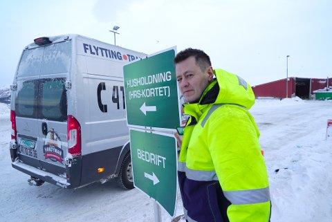 Steinar Andrè Lund driver blant annet søppeltaxi. I en periode har han som kjører uniformert bil ikke kunnet levere avfall med private HRS-kort. Forklaringen er at noen skal ha misbrukt gratis-ordningen.  Men løsningen for Lund kan allerede være funnet.