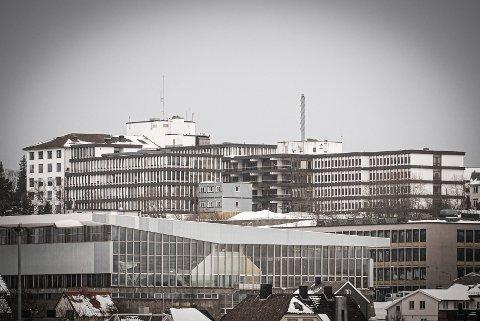 UAVKLART SUTUASJON: UNN gikk onsdag kveld ut med en melding om en uavklart situasjon knyttet til en koronapasient ved sykehuset i Narvik.