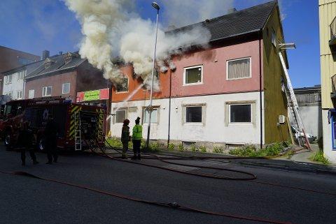RAPPORT: Politiet venter på en rapport fra brannsakkyndige etter brannen i Kirkegata i juni i år.